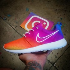 new-instagram-logo-nike-roshe-run-custom_perszd